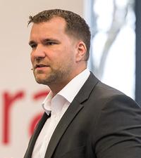 Roger Vogt, CEO Valora Retail,  begrüßt die Gäste auf der Jahrestagung in Sonthofen/Foto: Valora